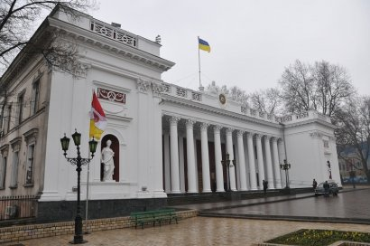 Мэр уволил заместителя  директора юридического департамента Одесского горсовета