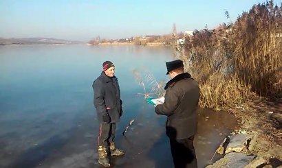 Одесские спасатели плотно работают с любителями зимней рыбалки