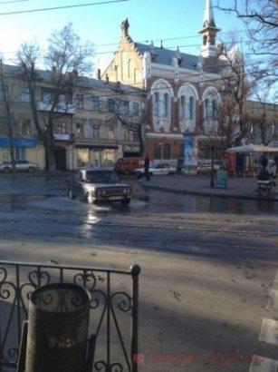 Грандиозный потоп в центе Одессы