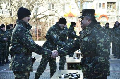 Выпускникам кафедры военной подготовки НУ «Одесская юридическая академия» вручены погоны офицеров запаса