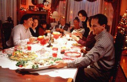 Почти половина одесситов встретят Новый год дома