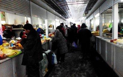 Пока в Одессе метет метель, одесситы «метут» продукты (фото)