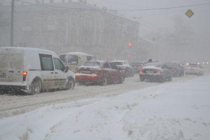 Непогода в Одессе не утихает. В помощь привлекается техника и личный состав Минобороны Украины