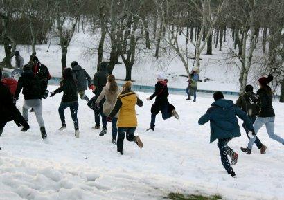В парке Победы состоялась снежная битва