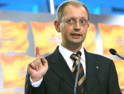 Шесть ответов премьера Яценюка на острые вопросы. Без шулерства.