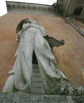 Где в Одессе еще сохранились монументы и другие «признаки» ушедшей эпохи?