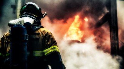 Одесские спасатели вынесли из огня хозяйку квартиры