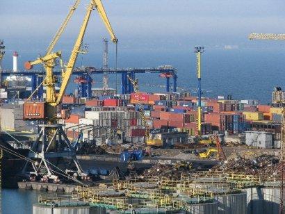 Принадлежность портов Украины зависит от «права на спирт»