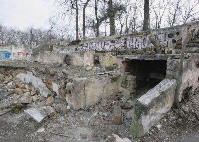 Одесский «Зеленый театр» превратился в руины