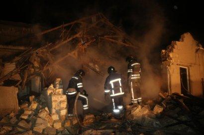 Взрыв жилого дома в Одессе:травмирована хозяйка дома, два человека погибли (фото)