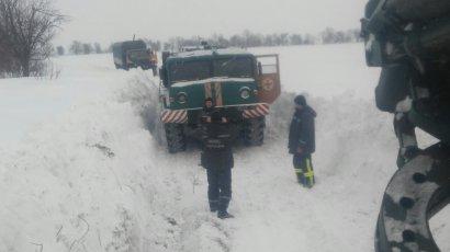 За период непогоды из снежных заносов освобождены 945 единиц автотранспорта и спасены 1922 человека (фото)