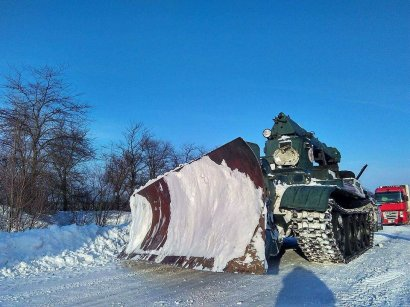 В Одессе снегопад. Но дороги чистят (фото)