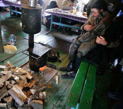 С начала сильных снегопадов в пункты обогрева в Одесской области обратились больше тысячи человек (фото)