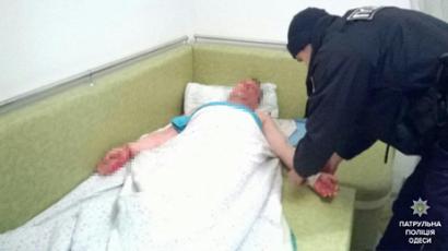 Одесские патрульные не дали одесситу свести счеты с жизнью