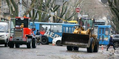В Одессе чистят улицы от снега (фото)
