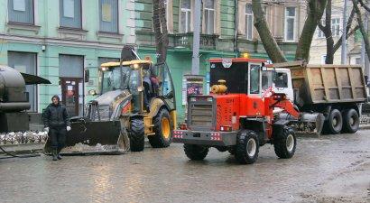 Вывоз снега из магистральных улиц Одессы