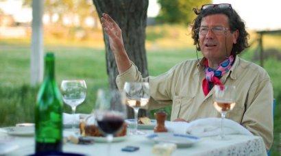 Французский винодел Кристоф Лакарен просит Премьера обеспечить безопасность его семье