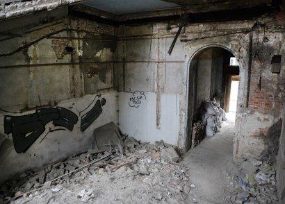 Невеселая экскурсия: Дом Руссова изнутри (фото)
