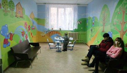 Одесские художники подарили маленьким пациентам поликлинике №4 сказку (фото)