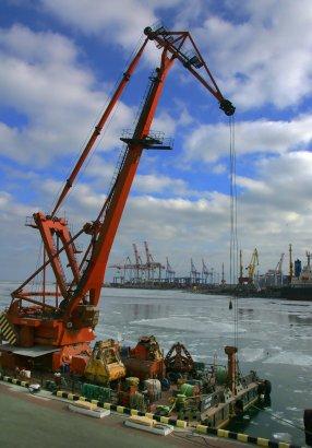 Красиво: В Одессе замерзло море (фото)