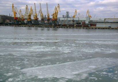 В Одессе замерзло море