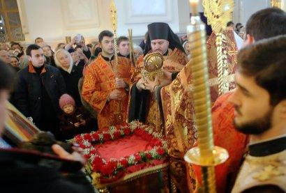 В Одессу прибыла одна из главных святынь Афона – мощи Святого Пантелеимона (фото)