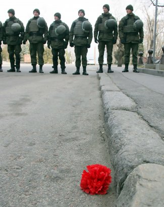 Стыд и боль. В Одессе «отдали дань» Защитникам Отечества