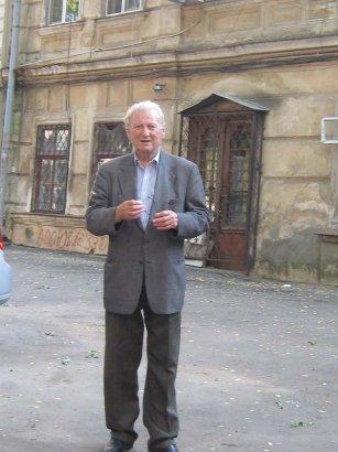 «Своим «Двором» введенный во дворянство» К 90-летию писателя Аркадия Львова