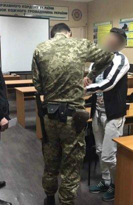 В Одесском аэропорту задержали гражданина Израиля, который находился в международном розыске за распространение кокаина