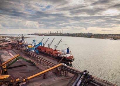 АМПУ обещают до июля разработать методику расчета портовых сборов
