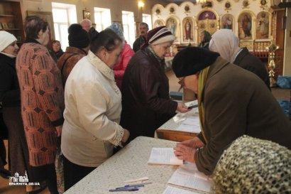 Одесская епархия вновь оказала гуманитарную помощь более 120 нуждающимся (фото)