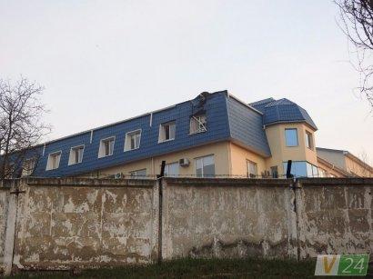 СБУ предлагает $900 за информацию о нападении на консульство Польши в Луцке