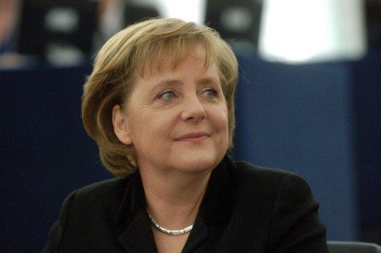 Стала известна тема переговоров Меркель и В.Путина вСочи
