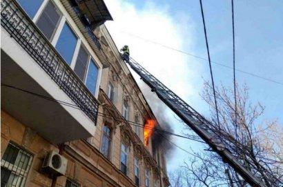Серьезный пожар лишил крова над головой восемь одесских семей.