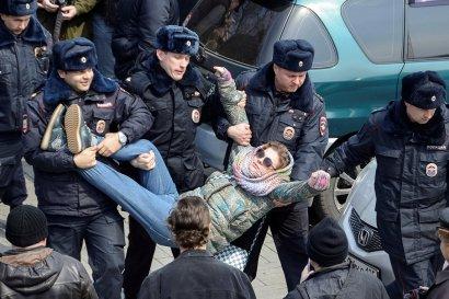 «АнтиДимон» или Кроссовки премьера как повод развалить свою страну