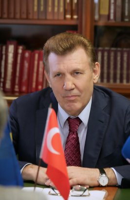 Декан юридического факультета Анатолийского университета профессор Айдын Уфук посетил Одессу