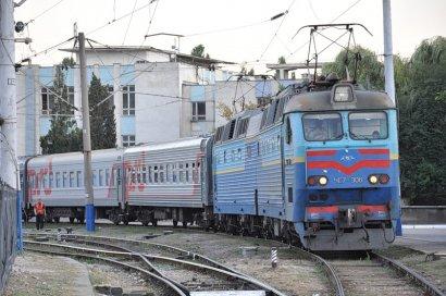 До конца лета одесские железнодорожники отремонтируют два вокзала и семь станций.