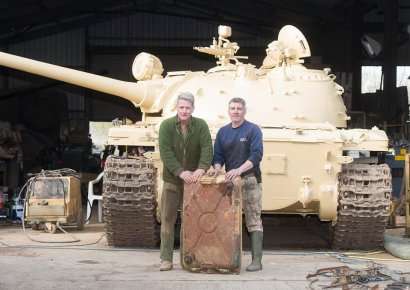 Британский коллекционер обнаружил пять золотых слитков стоимостью около 2,5 млн. долл. в купленном танке Т-54