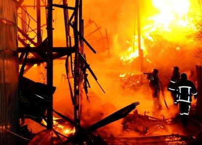 В Одессе горел причал, огонь уничтожил 15 деревянных и металлопластиковых частных домов на даче Ковалевского