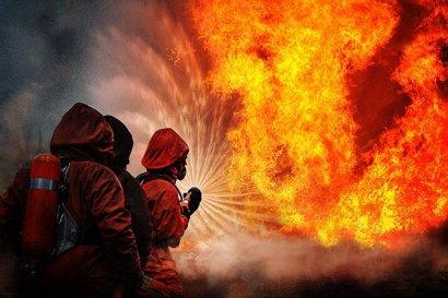 Серьезный пожар произошел ночью на Даче Ковалевского