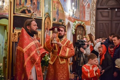 В праздник Светлого Христова Воскресения в Одесском студенческом храме Святой мученицы Татианы проведено пасхальное богослужение (фото)