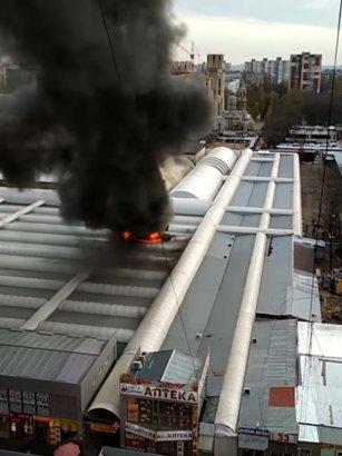 В результате пожара на рынке «Северный» полностью сгорели более 140 торговых павильонов