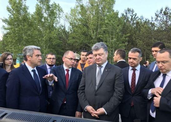 Порошенко: Биометрические паспорта получили 3,5 млн украинцев