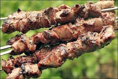 """""""Майские"""" время для экспериментов: шашлык в маринаде из киви"""