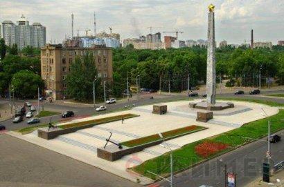 9 мая в День Победы в районе площади 10-го Апреля и Аллеи Славы будет частично ограничено движение автотранспорта