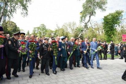 В День Победы на Аллее Славы возле памятника Неизвестному матросу прошли торжественные мероприятия 