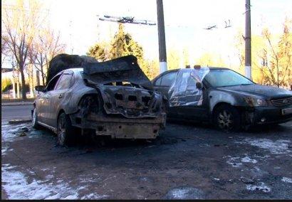 В Одессе сгорели сразу два автомобиля