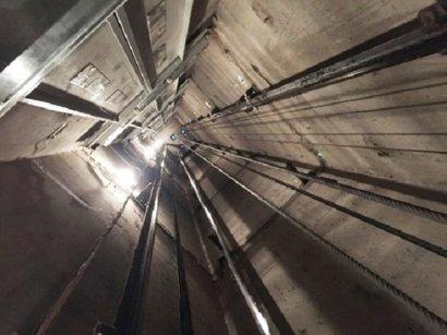 В Одесском лифте едва не погибли сразу три человека
