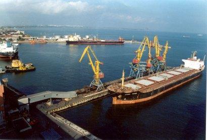 Одесские пограничники задержали судно, которое незаконно переправляло людей в Крым