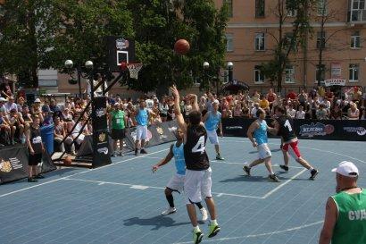 В Старобазарном сквере пройдут соревнования по  уличному  баскетболу (анонс)